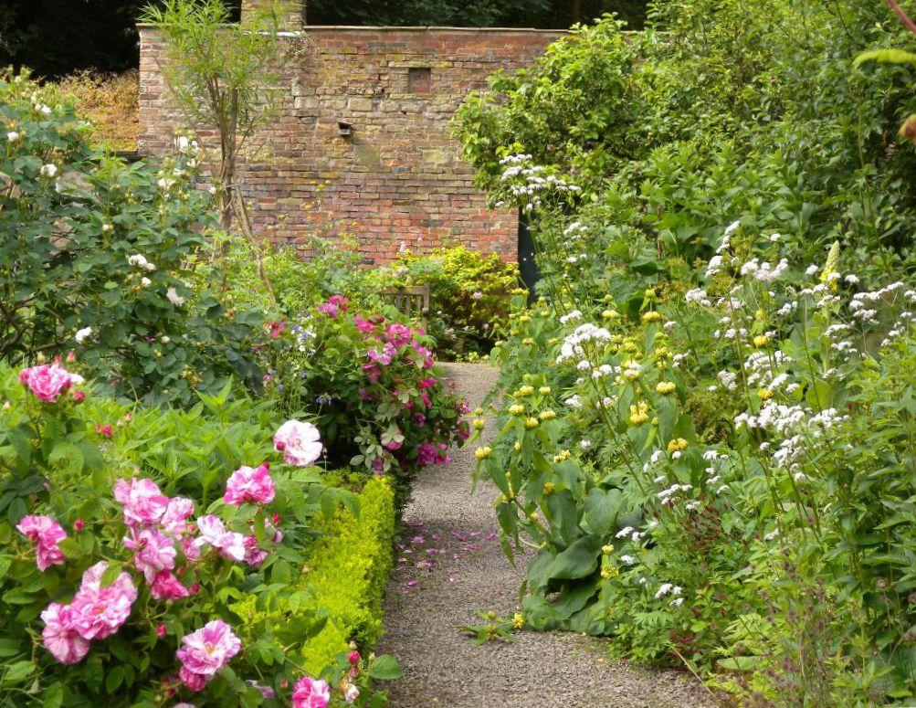 Summer walled garden (1)